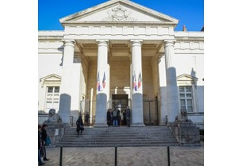 Orléans Six mois ferme pour les trois agresseurs d'un couple gay