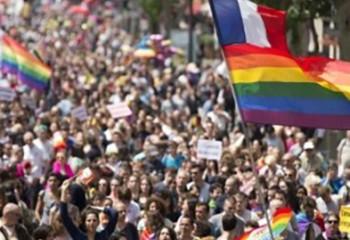 Paris Une marche des Fiertés pour la PMA et la filiation