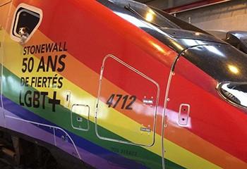 SNCF : un TGV arc-en-ciel va parcourir la France pour le mois des Fiertés