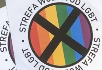 Pologne Un magazine pro-gouvernemental diffuse des autocollants anti-gays