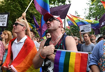 Pologne: Une bataille politique autour des LGBT