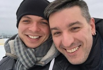 Russie Le couple gay menacé de se voir retirer ses fils adoptifs a fui le pays