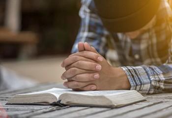 Mon ministère ecclésiastique prônait la thérapie de conversion. Aujourd'hui, j'essaie d'assumer et de réparer