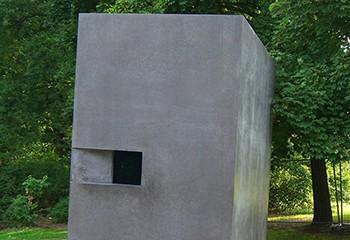 Un mémorial aux victimes LGBT+ du nazisme vandalisé à Berlin E