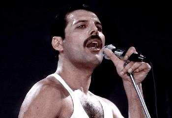 Freddie Mercury aurait cessé de prendre son traitement avant sa mort