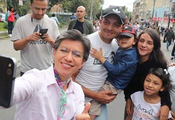 Bogota élit à sa tête une femme lesbienne