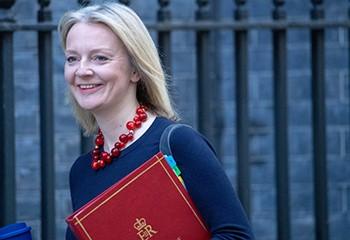 Le Royaume-Uni veut interdire la transition de genre avant 18 ans