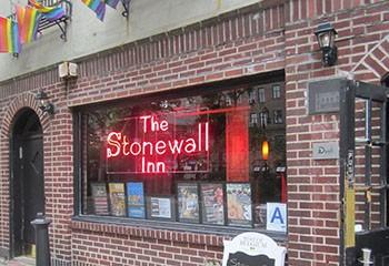 À NewYork, le mythique Stonewall Inn vient d'être sauvé de justesse de la fermeture