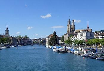Suisse : Zurich lance un projet de logements pour personnes âgées LGBT+