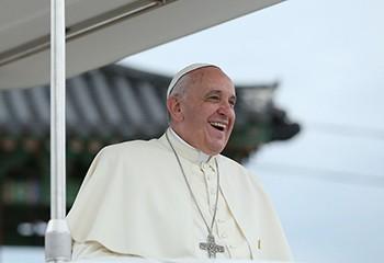 « L'Église aime vos enfants tels qu'ils sont » : le message positif du pape François à des parents d'enfants LGBT+