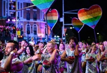 Australie La grande parade du Mardi Gras gay de Sydney aura lieu dans un stade