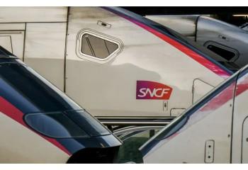 SNCF : Une plainte déposée devant la Cnil pour exclusion des personnes non-binaires