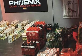 Près de Caen, la boîte de nuit gayfriendly Le Phoenix offre ses stock à la Croix-Rouge