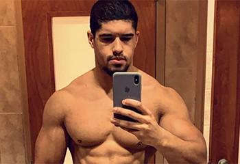 Le lutteur Anthony Bowens fait son coming-out gay (après avoir dit qu'il était bi)