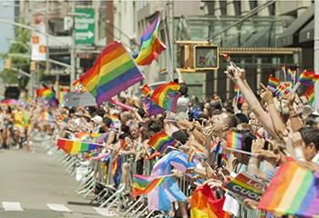 Un nombre record d'Américain.e.s s'identifient comme LGBT+