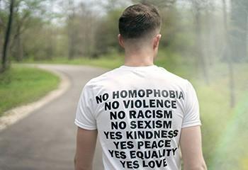 Face au chemsex, le médecin Thibaut Jedrzejewski réclame un sursaut de la communauté LGBTI+