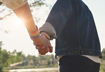 La protection des jeunes LGBTQI+ doit être l'affaire de toutes et tous