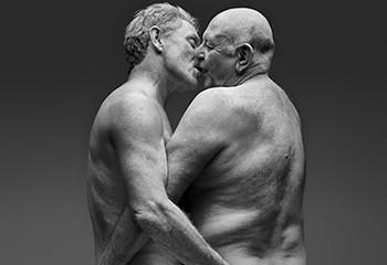 Sexe et seniors : la campagne britannique qui brise le tabou