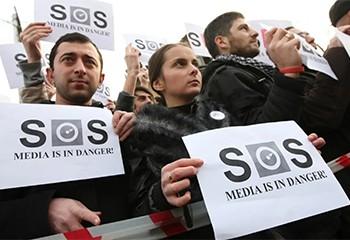 Géorgie: Décès d'un caméraman lynché par des militants d'extrême-droite