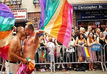 L'État de New York fait passer deux lois pro-LGBT, et c'est historique