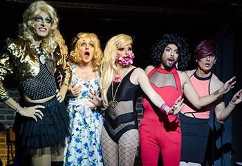 Clap de fin pour les Paillettes, le groupe de « drag queers » parisiennes
