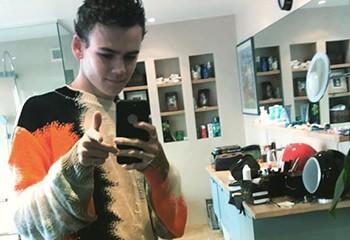Le fils d'un célèbre DJ anglais fait son coming-out bisexuel
